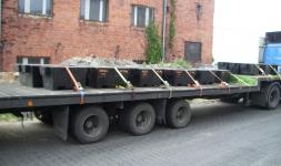 Transport wzorców na samochodzie ciężarowym